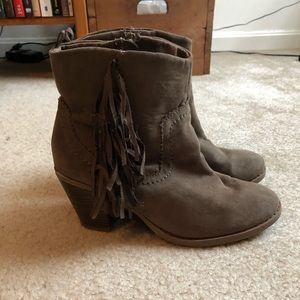 Gap Short Fringed Boots Size 8
